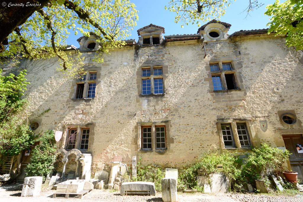 Bâtiment de l'église abbatiale de Saint Antoine