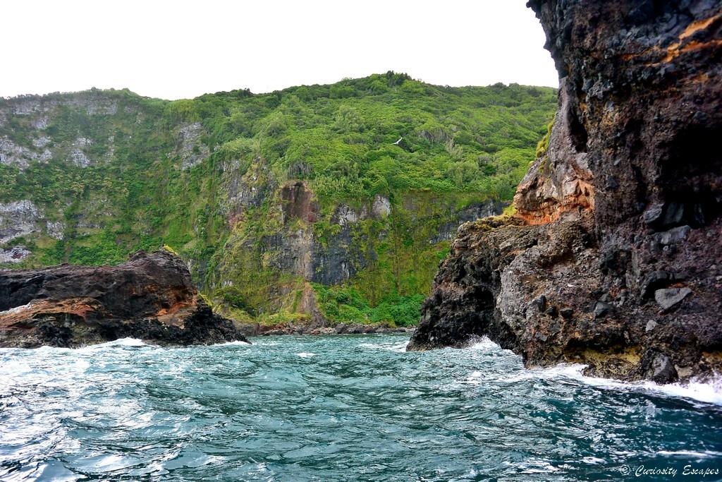 Île de Flores depuis la mer
