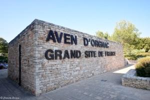Entrée de l'Aven d'Orgnac, grand site de France