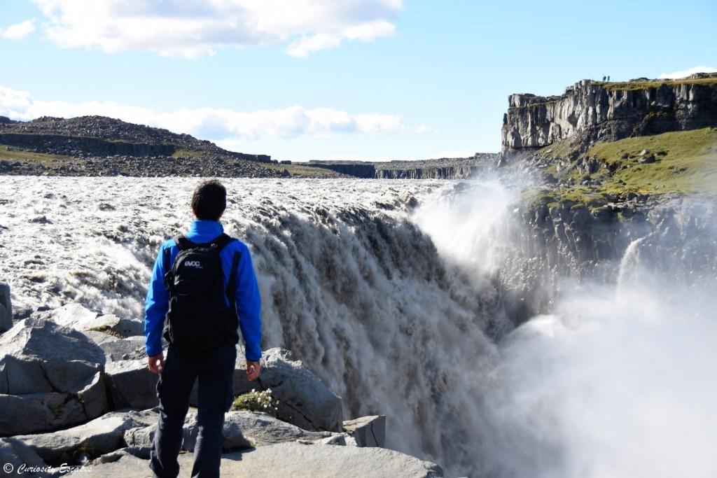 Au sommet de la cascade Dettifoss