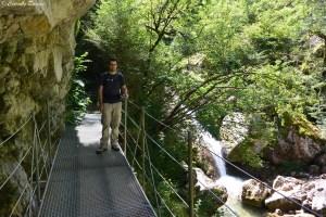 Passerelle sur la randonnée des gorges du Nan