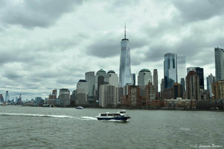 Skyline de New-York depuis le bateau