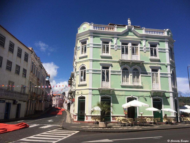 Ville d'Horta sur l'île de Faial aux Açores