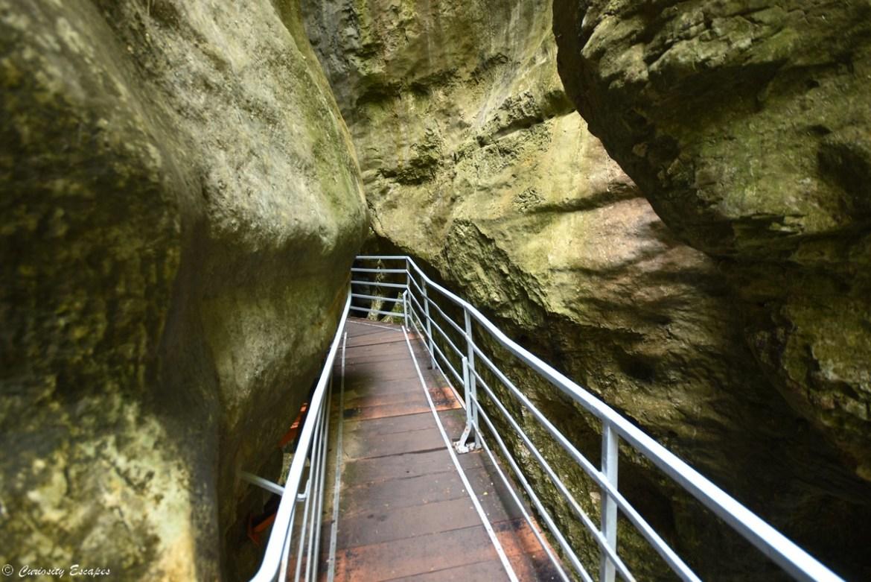 Canyon de calcaire aux gorges du Fier, Haute-Savoie