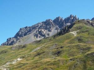 Les sommets de montagne dans le col du Galibier