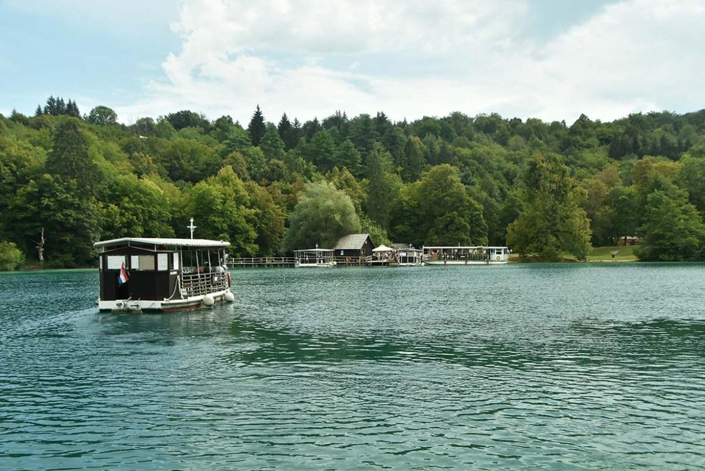 Traversée en bateau des lacs de Plitvice