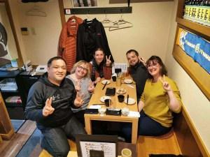 Rencontre sympathique dans un restaurant japonais