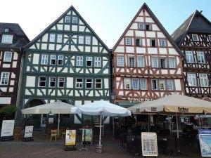 Place du marché de la cité médiévale de Grünberg, Allemagne