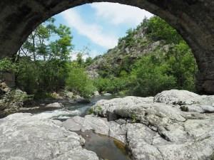 Sous le pont romain de Saint Sylvestre