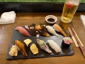 Restaurant de sushis à Ishigaki, Japon