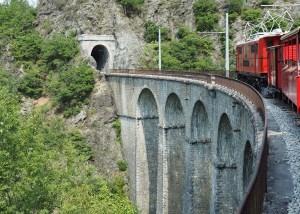 Petit train de La Mure sur le viaduc de Loulla