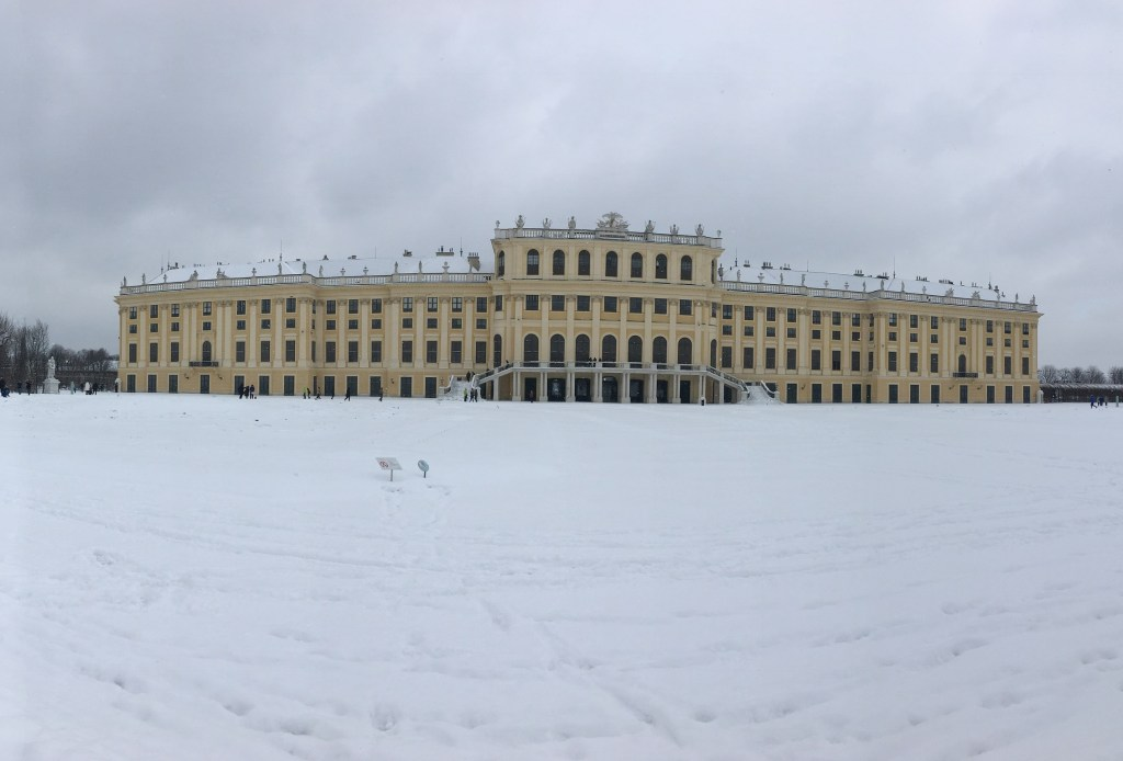 schonnbrunn palace winter