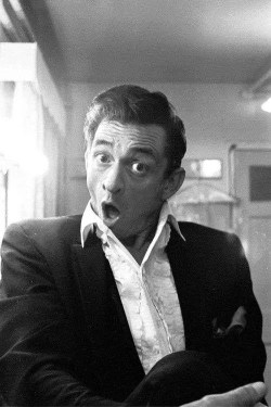 Johnny Cash bevitore