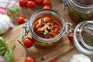 Pomodori secchi sott' olio ricetta