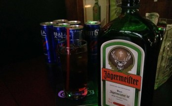 Jagerbomb cocktail shot ricetta
