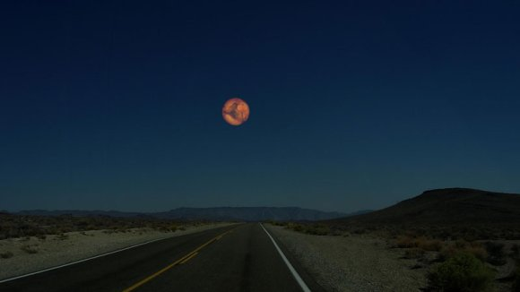 if-mars-was-as-close-to-earth-as-the-moon[1]