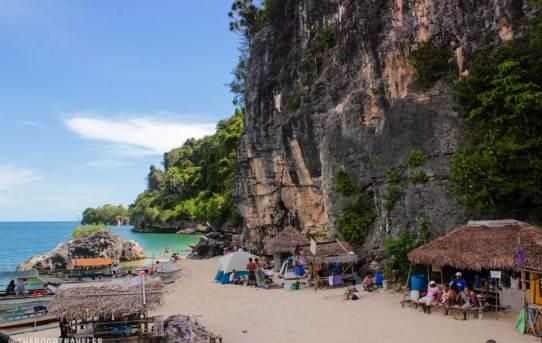 Beach resorts near Manilla