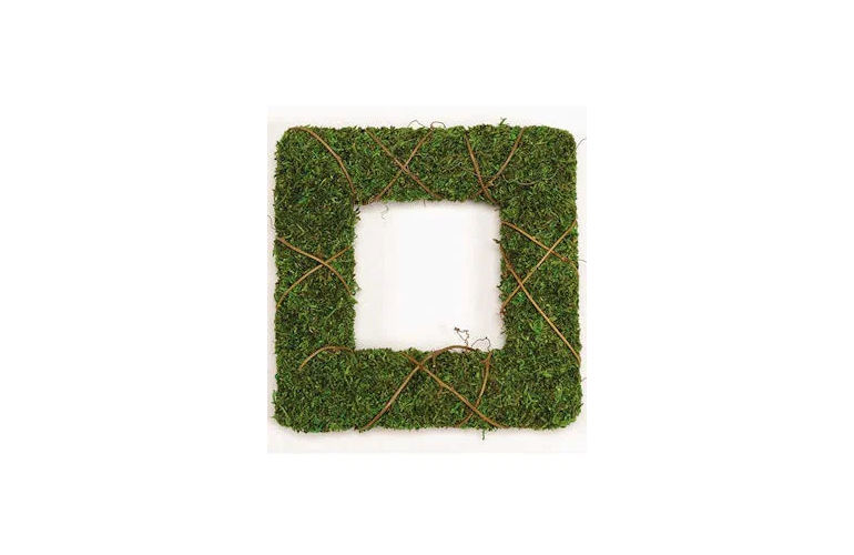 square-moss-wreath