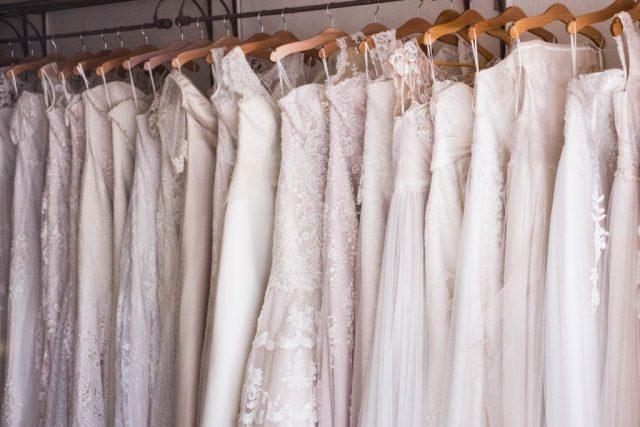 bride wedding outfit photos