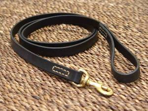 leather-dog-leash