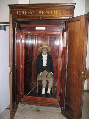 Jeremy Bentham, presente sin derecho a voto