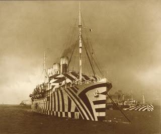 Barcos camuflados como cebras
