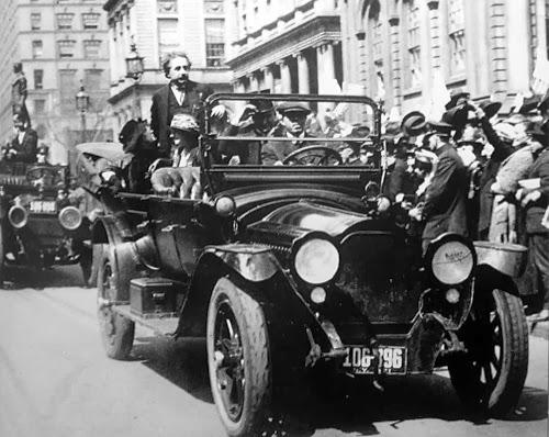 Aclamado en Nueva York en su primera visita a EEUU en 1921