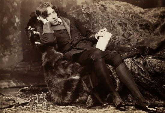 Oscar Wilde y Hemingway, dos travestis infantiles