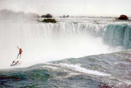 Robert Overcracker en el momento del salto