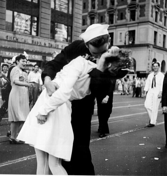 Colección de besos en la Segunda Guerra Mundial