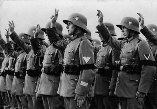 ¿Qué pasó con los cascos alemanes después de la Segunda Guerra Mundial?