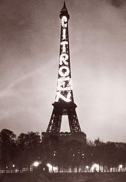 El cartel de Citroën sobre la Torre Eiffel