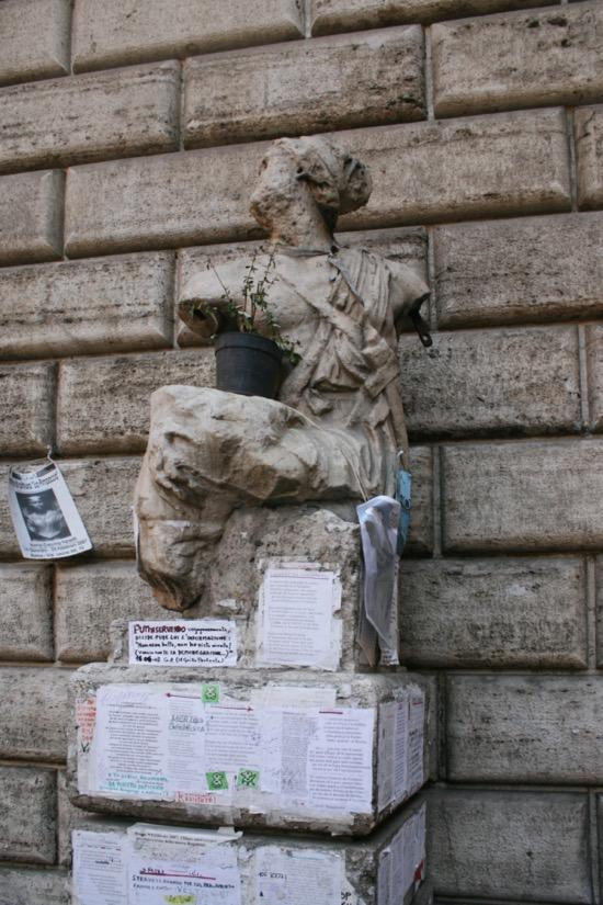 El pasquín y la estatua de Pasquino, el Twitter del siglo XVI