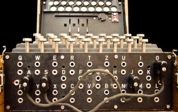 Clavijero de una máquina Enigma