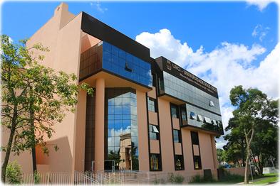 https://i0.wp.com/www.curitiba-parana.net/fotos/universidade.jpg