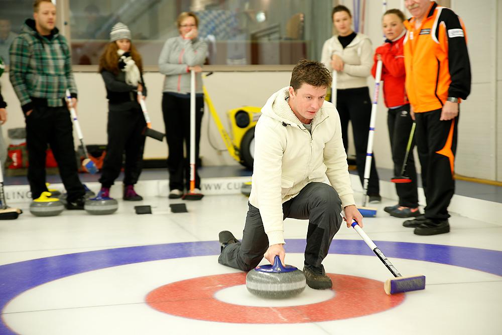 Curlingclinic: Gezellig uitje op het ijs