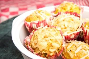 Muffins met champignon en parmezaan