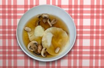 Ravioli met gorgonzola in champginonbouillon