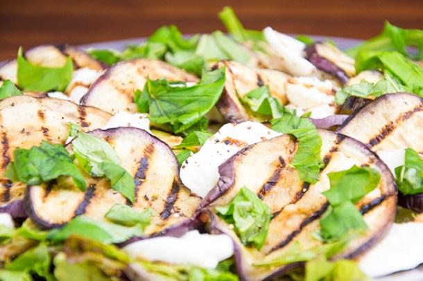 Recept Aubergine en mozzarella salade