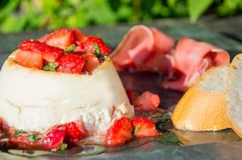 Recept Gebakken ricotta met aardbeiden salsa