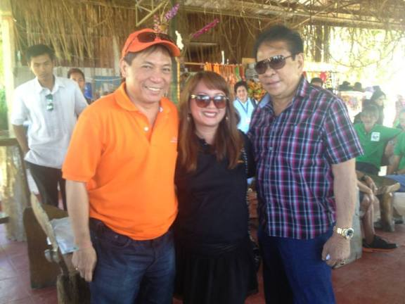 Gov. Chavit Singson, Elabram Systems Marketing & Brand Manager Engr. Grace Bondad Nicolas. and Yupangco Group of Companies Owner Robert L. Yupangco