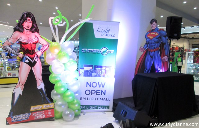 SM Light Cyberzone