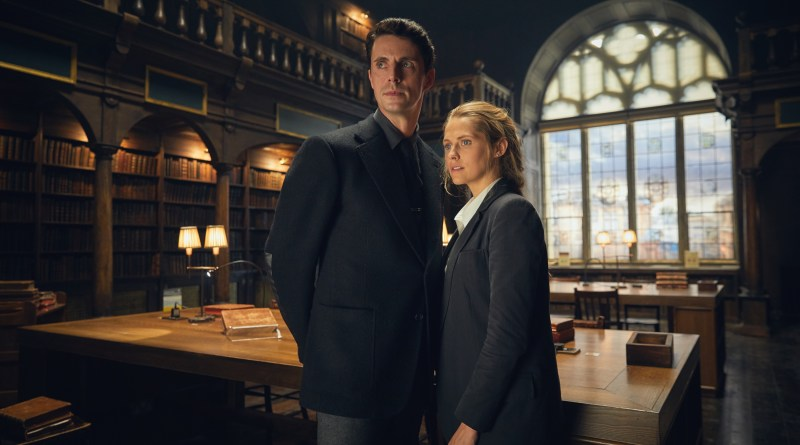 A Discovery of Witches - Series 01 First Look Matthew Goode as Matthew Clairmont and Teresa Palmer as Diana Bishop.