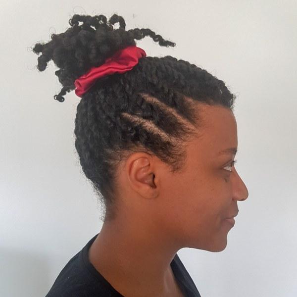 chouchou scrunchie xxl en satin curly nights jaune topaze pour cheveux bouclés et crépus