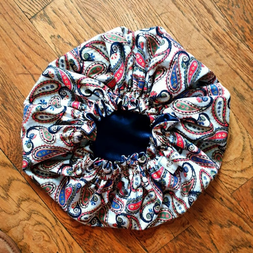 bonnet nacht locken krause satin cachemire paisley weiss curly nights