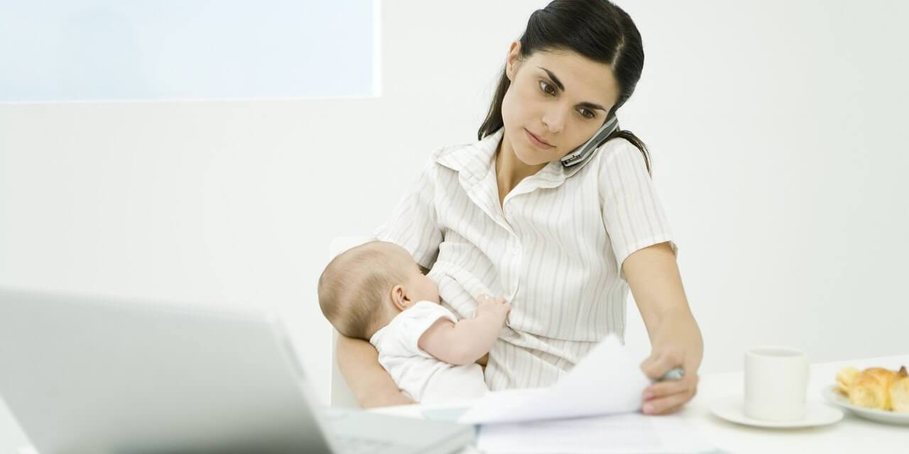 How Businesses Can Accommodate Breastfeeding Moms