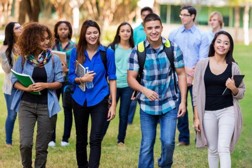 Top 7 College Freshman Scholarships in 2021