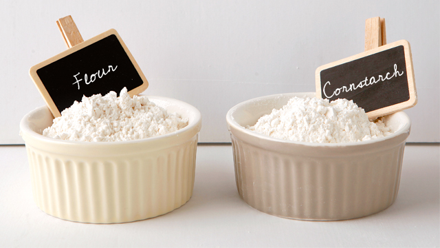 10 Major Differences Between Flour and Cornstarch