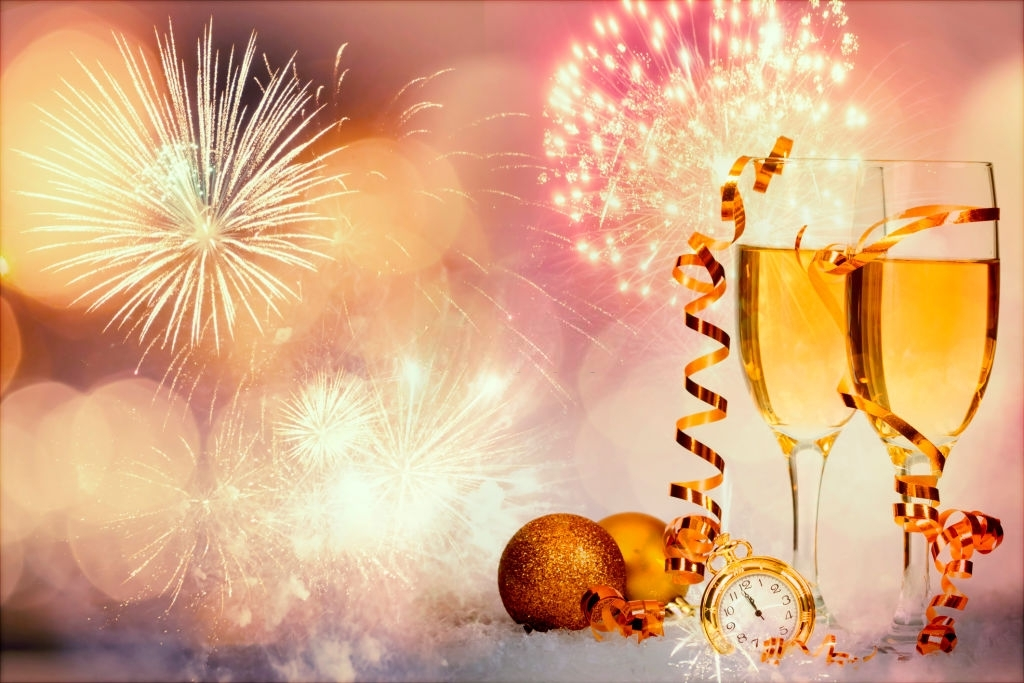 100 Funny New Year Wishes and Messages for Love Ones