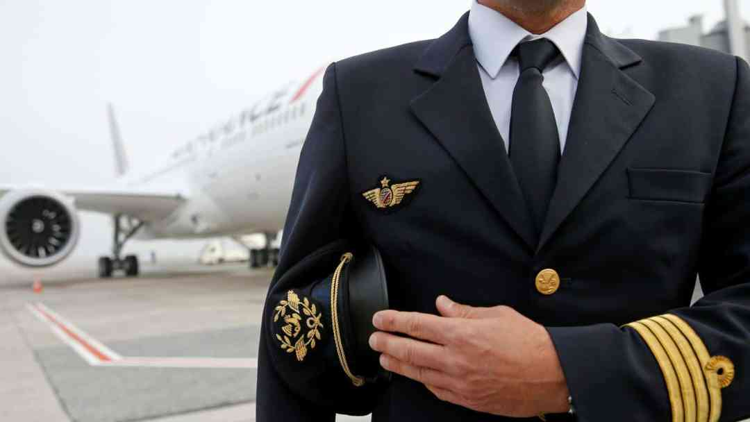 Licenses Required for Becoming a Commercial Pilot